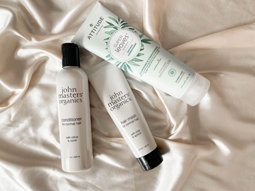 dabīgi produkti sausu matu kopšanai